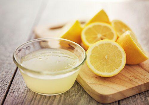 Cytryna owoc i sok