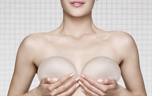 implanty silikonowe