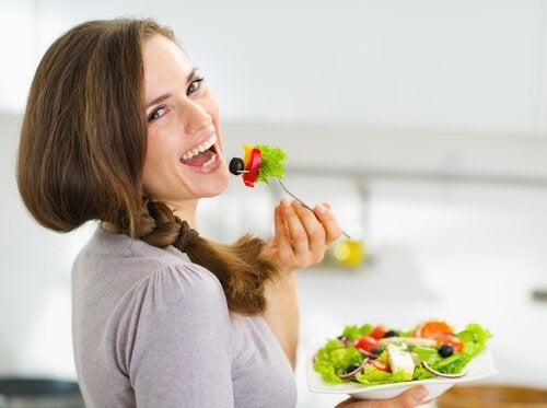 Jedzenie sałatki a zatrzymywanie płynów