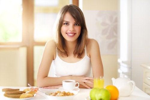 kobieta śniadanie