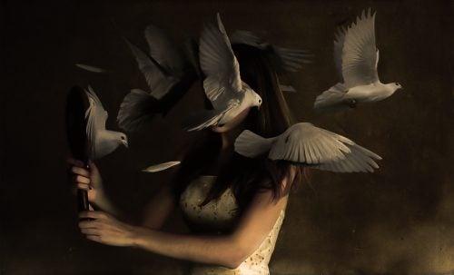 kobieta z lustrem - kompleks Kasandry