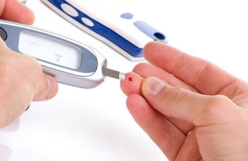 Pomiar zawartości cukru z palca