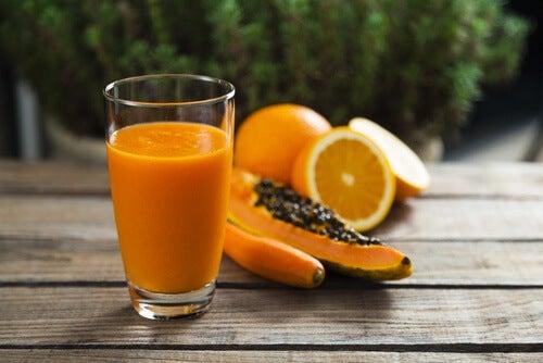 Pomarańczowy sok na reumatoidalne zapalenie stawów