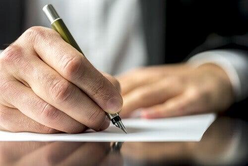 Zapisywanie myśli pomoże Ci zagoić emocjonalne rany