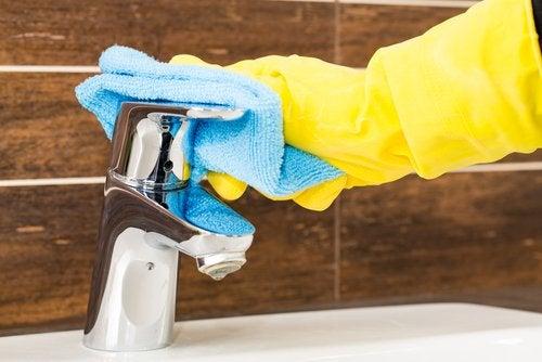 czyszczenie kranu