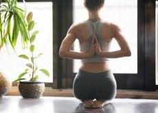 joga pomocna na bóle miesiączkowe