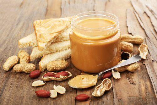 masło orzechowe pokarmy zawierające omega 3