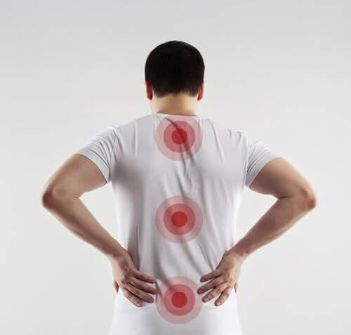 Pozbądź się bólu pleców w lędźwiach – 4 sposoby