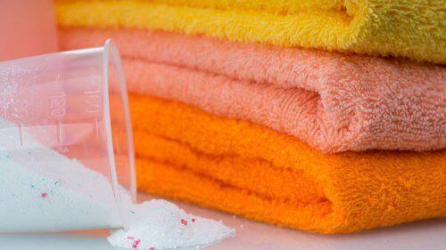 Wybielanie ręczników bez chemikaliów – 5 sposobów
