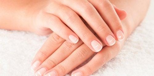 Problemy z paznokciami? Poznaj te naturalne sposoby