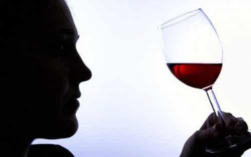 Alkoholizm - 6 znaków wskazujących na uzależnienie