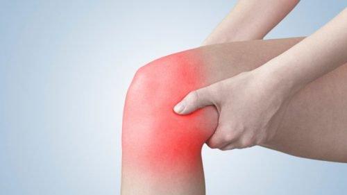 Ból kolan – 5 prostych i skutecznych ćwiczeń na jego złagodzenie