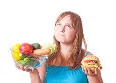Dziewczyna z jedzeniem - błędy żywieniowe