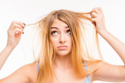 Zniszczone włosy a białko