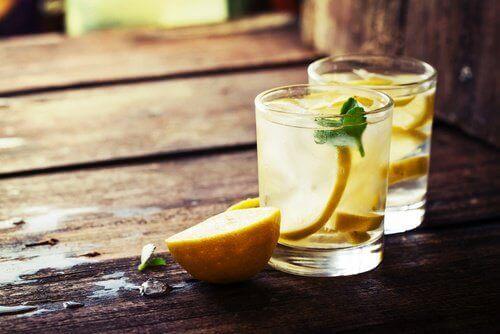 Orzeźwiający napój na detoks