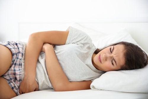 Kobieta cierpiąca na zaparcia a chora tarczyca