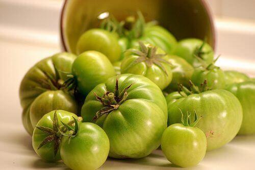 Zielone pomidory na żylaki nóg