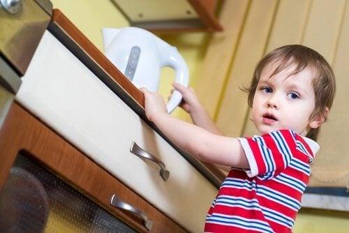 Oparzenie pierwsza pomoc dziecko