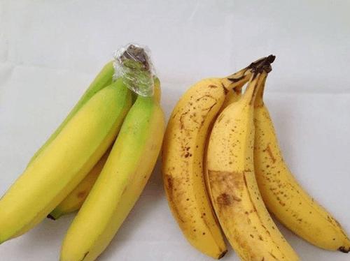sposób na zachowywanie świeżości bananów