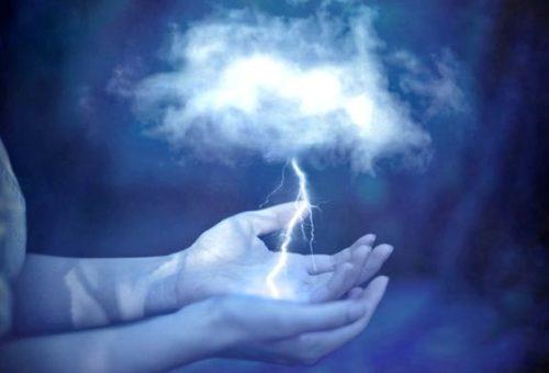 Burza w dłoniach