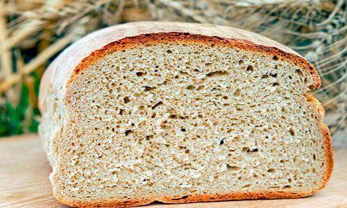 Chleb składnik salmorejo
