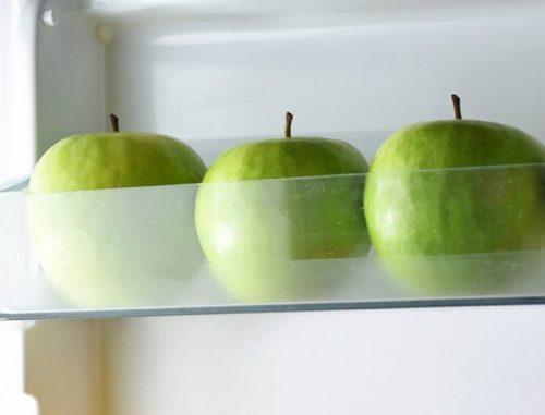 Jabłka w lodówce