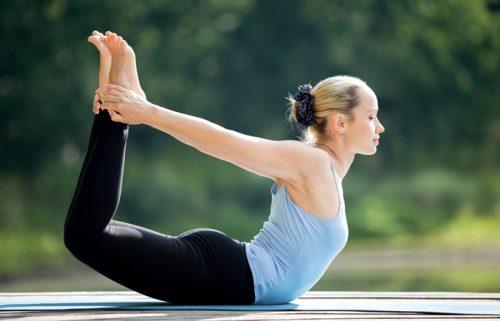 Joga - pozycja łuku