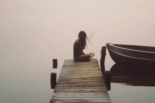 Kobieta na molo