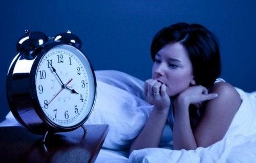 Kobieta nie może spać - bezsenność