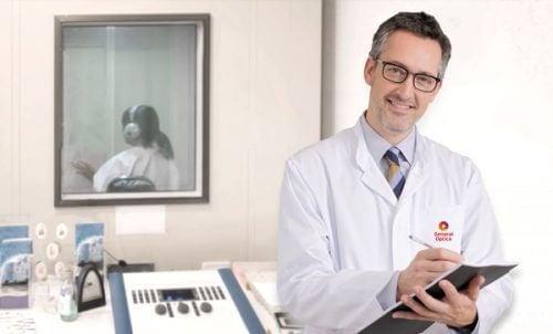Lekarz laryngolog