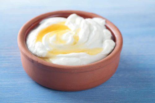 Maseczka oczyszczająca z jogurtu i miodu