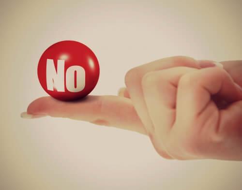 NIE - piłeczka na palcu