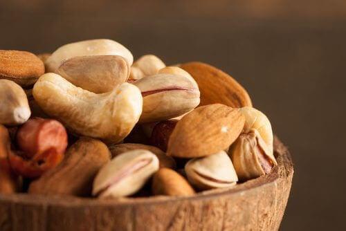 Orzechy i nasiona - dlaczego powinniśmy je namaczać?