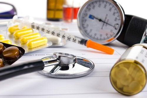 Sprzęt medyczny na stole