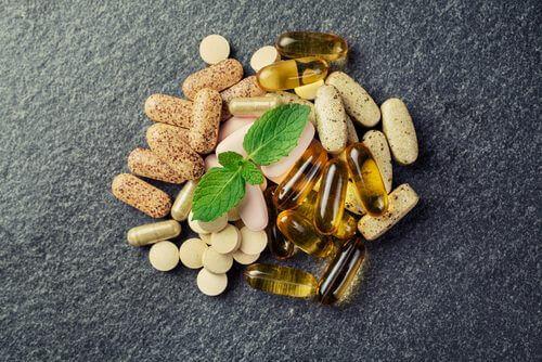 Które suplementy warto zażywać codziennie?