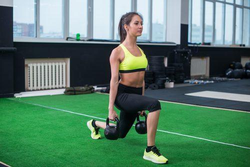 Ćwiczenia z ciężarkami na mięśnie pośladków