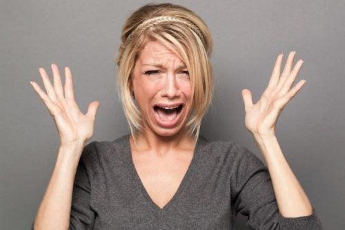 Kobieta w histerii