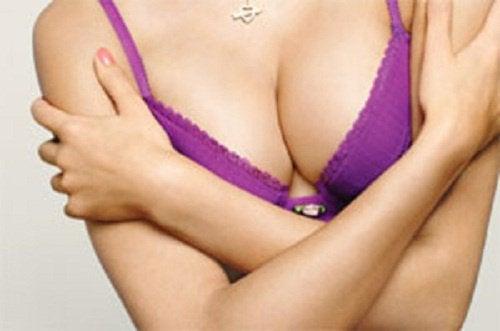 Jędrne piersi dzięki 6 ważnym technikom