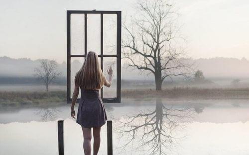 Kobieta i okno. Uczciwi ludzie