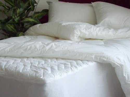 Materac i poduszki - jak je zdezynfekować?