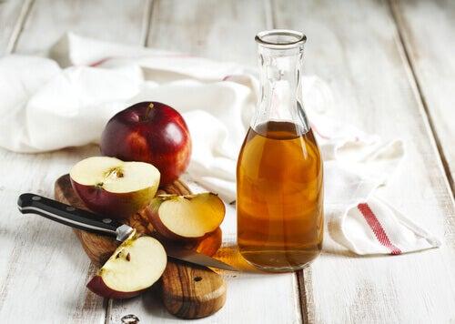 Ocet jabłkowy a płytka nazębna