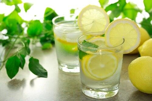Woda owoce na zapalenie śluzówki żołądka