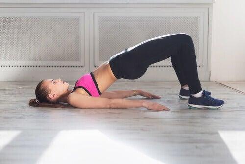 Cwiczenia na biodra na pęcherz moczowy