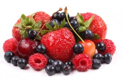 Czerwone owoce na artretyzm