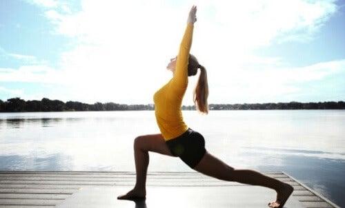 Kobieta ćwicząca joga