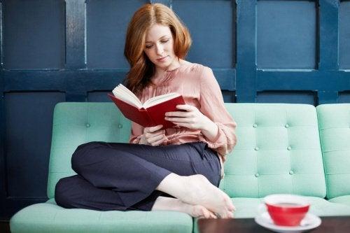 Czytanie książki a demencja