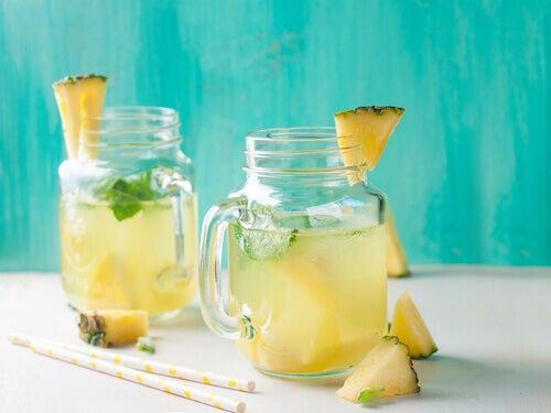 Napój z ananasa - kuracje ananasowe
