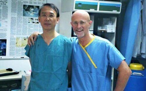 Włoski neurochirurg Sergio Canavero ogłosił, że pierwszy w historii przeszczep głowy