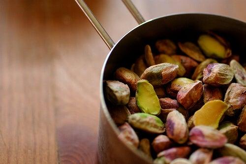 Prażone pistacje na artretyzm