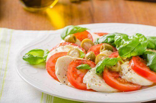 Pomidor i mozzarella, czyli włoska sałatka